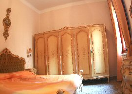 Venezia Apartments - Queen House Garden
